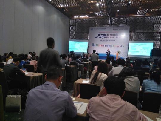 200 chuyên gia, bác sĩ trong và ngoài nước tham gia chương trình. Ảnh: Người Lao Động.