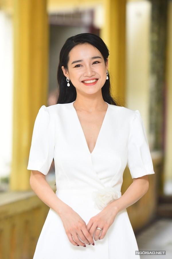Nhã Phương tới Hà Nội chiếu phim ngắn và giao lưu với sinh viên hôm 4/4.