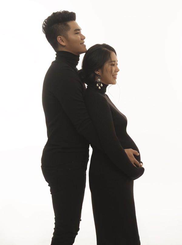 Diễn viên Gạo nếp gạo tẻ tiết lộ lần mang thai thứ hai là cô bị vỡ kế hoạch. Lúc này nữ diễn viên đang thuận lợi về công việc nên khá bối rối khi biết mình mang thai. Tuy nhiên ông xã đã động viên và giúp giải tỏa tâm lý cho Lê Phương. Sự quan tâm ân cần, tâm lý của Trung Kiên khiến Lê Phương quên đi những nỗi buồn, sự ám ảnh của lần mang thai đầu tiên để vui vẻ đón nhận thiên chức làm mẹ một lần nữa. Vợ chồng cô cùng nhau xử lý công việc, tìm cách thương lượng với các đối tác về những hợp đồng đã ký kết trước khi Lê Phương mang thai.