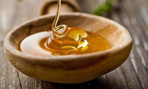 Hỗn hợp mật ong và vitamin E sẽ là thần dược dưỡng trắng hiệu quả.