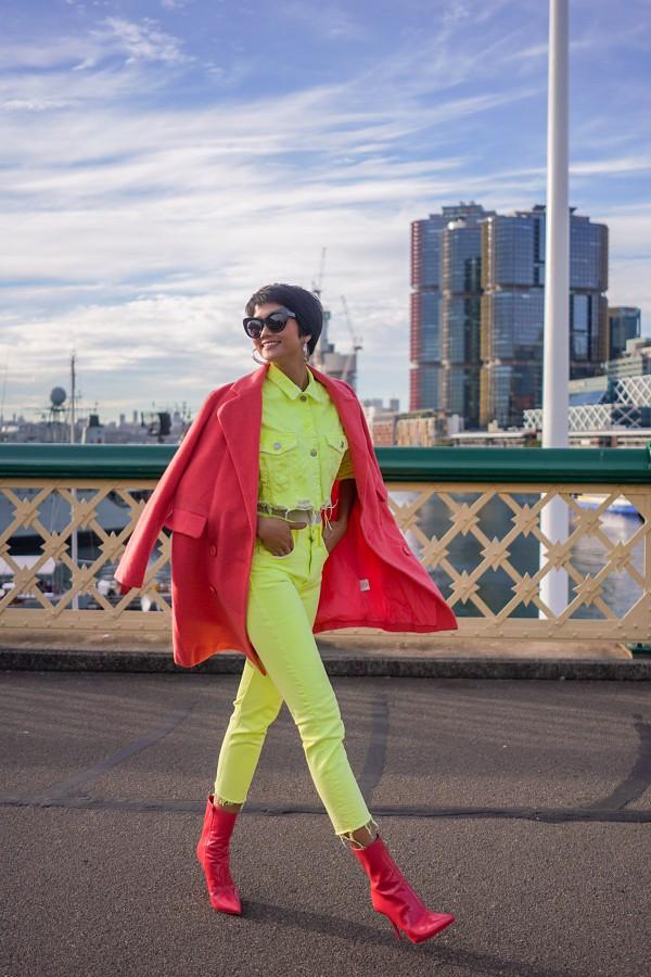HHen Niê hào hứng khi lần đầu đặt chân đến Australia. Cô dành ngày đầu tiên đi dạo và khám phá đường phố, cuộc sống tại Sydney.