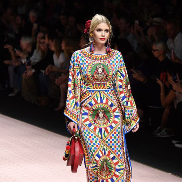 Cô cũng là gương mặt nổi tiếng trên các sàn diễn thời trang của nhiều thương hiệu xa xỉ.