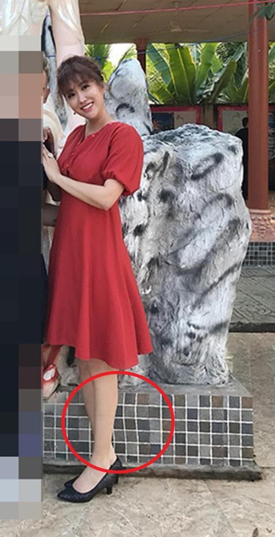 Dân mạng phát hiện những dấu vết chỉnh sửa trong bức ảnh Phi Thanh Vân đăng tải
