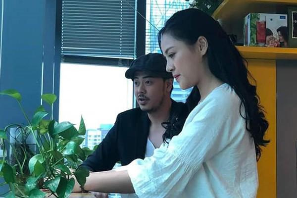 MC Tuấn Tú và Thu Quỳnh trong một phân cảnh phim Về nhà đi con.