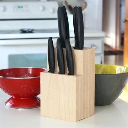 2. Bạn có thể tự tạo hộp đựng dao bằng cách sử dụng các khối gỗ thông PAR hoặc meranti để đựng tất cả những con dao mình có và không gây thiệt hại nếu nhà có trẻ nhỏ.