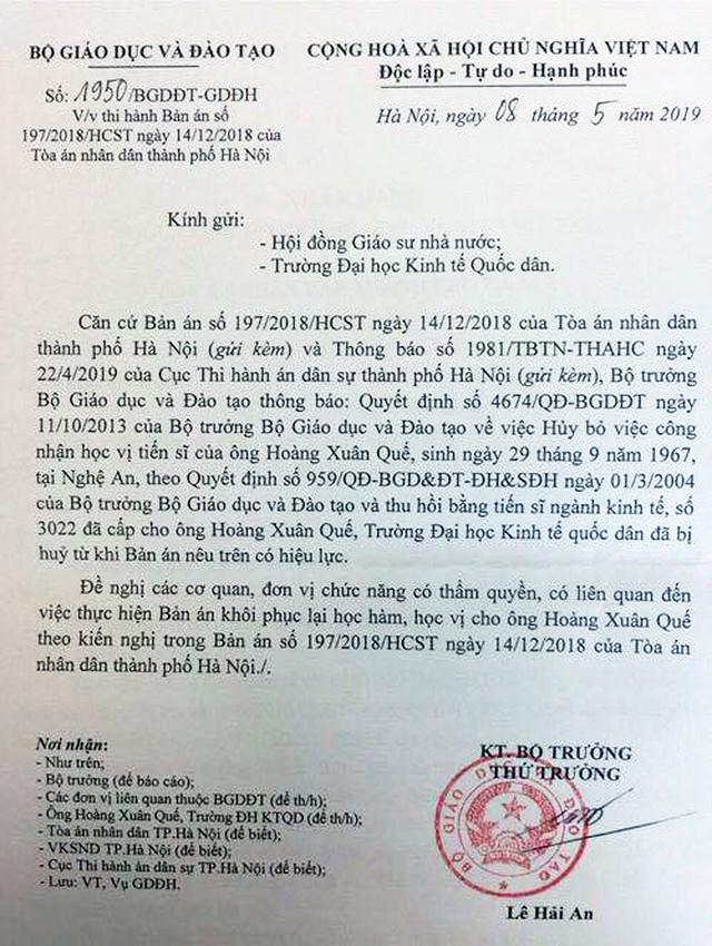 Công văn của Bộ GD-ĐT đề nghị Hội đồng Giáo sư Nhà nước, Trường ĐH Kinh tế quốc dân khôi phục lại học hàm, học vị cho ông Hoàng Xuân Quế