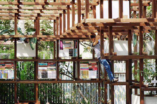 Bọn trẻ có thể chơi đùa, đọc sách tại thư viện và học về mô hình sinh thái một cách trực quan.