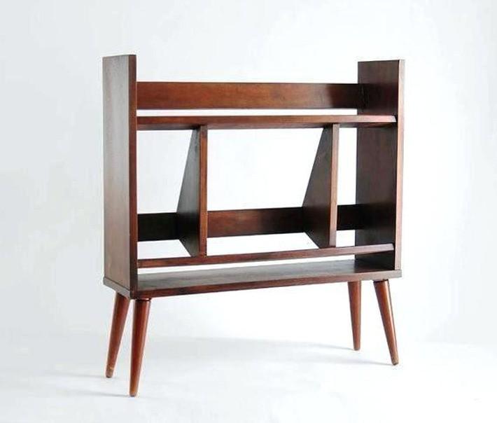 Tủ sách nhỏ bằng gỗ màu sắc phong phú với kệ rất phù hợp cho nhiều không gian.