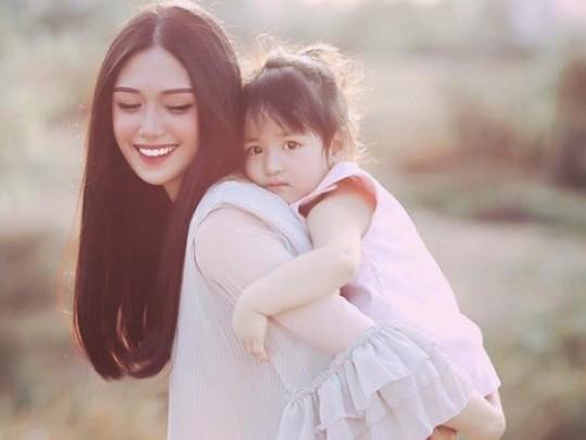 Có trăm ngàn lý do để một người phụ nữ chọn cách làm mẹ đơn thân. Ảnh minh họa