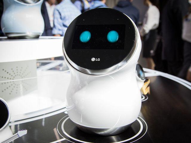 Robot quản gia.