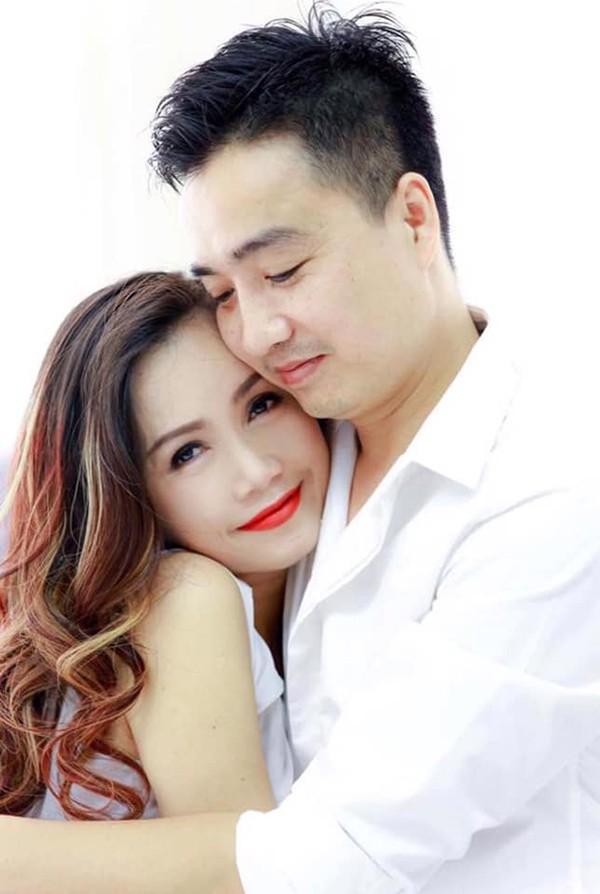 Hoàng Yến hạnh phúc bên ông xã kém tuổi Thắng Cao. Trước khi có cuộc sống hạnh phúc như hiện tại, Hoàng Yến từng trải qua 3 đời chồng và có 2 con gái riêng.