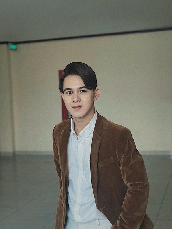 Diễn viên Quang Anh có vẻ ngoài sáng cùng khả năng diễn xuất tốt nên được nhiều đạo diễn yêu thích.
