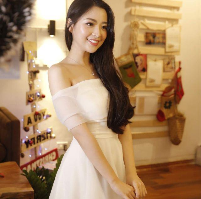 Hoa khôi ĐH KTQD 2019 Đỗ Hồng Hạnh được nhiều người nhận xét là có vẻ đẹp sang trọng, đài các