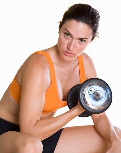 Phụ nữ tập thể thao quá sức ảnh hưởng đến sự rụng trứng và khả năng làm tổ của trứng