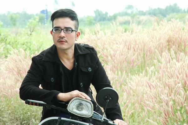 Ca sĩ Vương Bảo Tuấn qua đời ở tuổi 44.