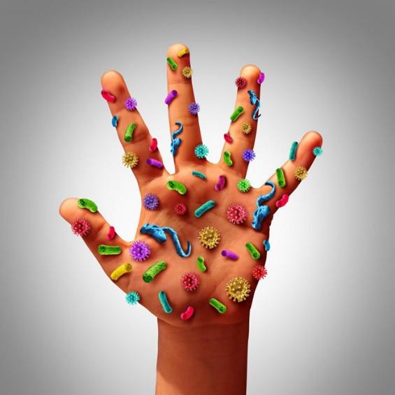 Có hàng triệu vi khuẩn cư ngụ trên 1 cm2 bàn tay. Thói quen không rửa tay trước khi ăn khiến nhiều người, đặc biệt là trẻ em mắc các bệnh truyền nhiễm.