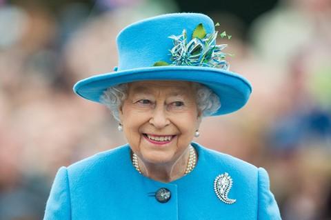 485 triệu USD : Tài sản riêng của Nữ hoàng Elizabeth II được xác định ở mức 485 triệu USD .