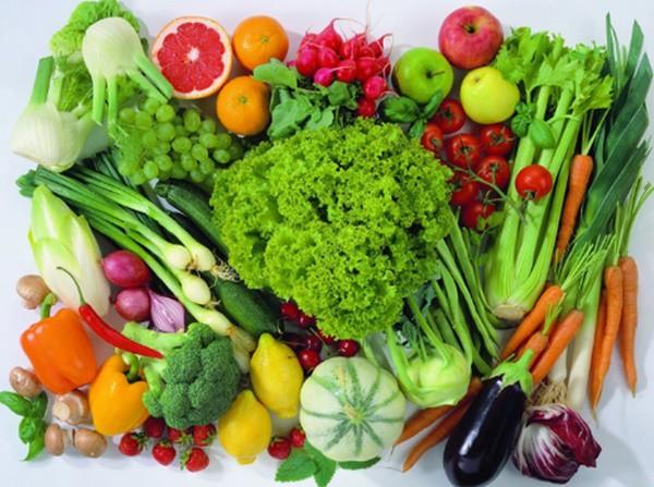 Ăn nhiều rau xanh và trái cây cũng giúp ngừa tế bào ung thư phát triển