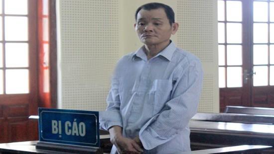 Bị cáo Vy Đình Hoa tại phiên tòa xét xử.