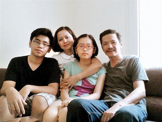 Gia đình nghệ sĩ Trung Anh cách đây vài năm.