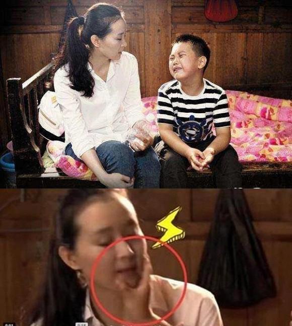 Cầu Cầu giận dữ tát mẹ, gọi mẹ là đầu heo ngay trên sóng truyền hình