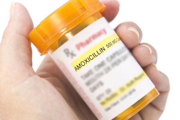 Nguyên nhân gây dị ứng của người phụ nữ được cho là do thuốc mà bạn trai cô đang sử dụng.