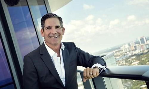 Triệu phú tự thân Grant Cardone cho rằng nếu muốn giàu có, người trẻ cần phải từ bỏ nhiều thói quen cố hữu vè tài chính. Ảnh: CNBC.