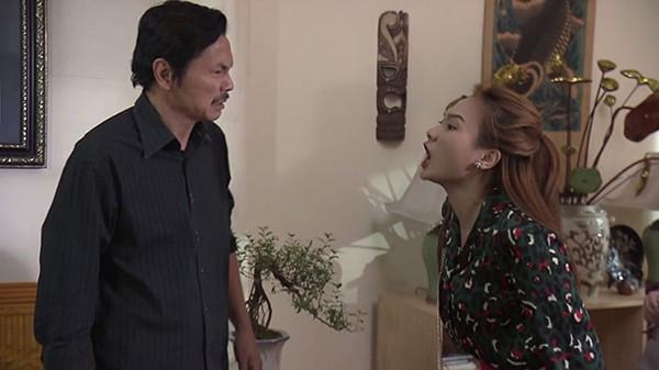 Cảnh chuẩn bị tát diễn viên Bảo Thanh của nam nghệ sĩ.