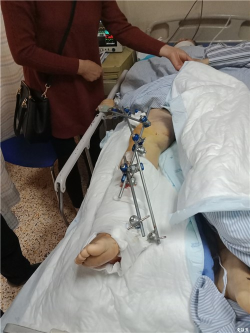 Lưu Phương đang nằm điều trị, chờ lần phẫu thuật thứ hai