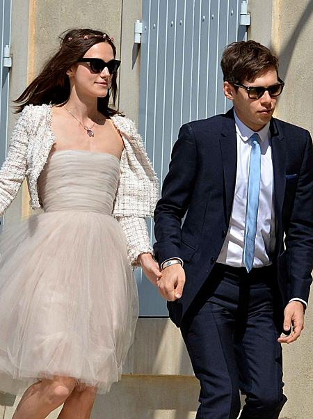 Nổi tiếng và giàu có như Keira Knightley cũng không lãng phí tiền cho váy cưới. Ảnh: People.
