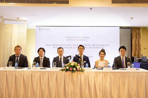 Buổi ra mắt sản phẩm của công ty TNHH Umi No Shizukungày 4/4 có sự tham gia của nhiều chuyên gia đến từ Nhật Bản.