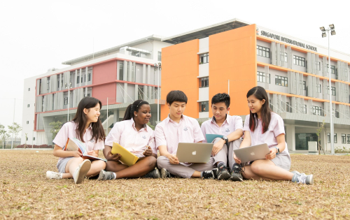 Học sinh trường Quốc tế Singapore.