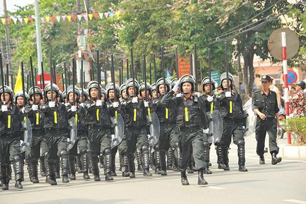Các chiến sĩ thuộc lực lượng cảnh sát cơ động.