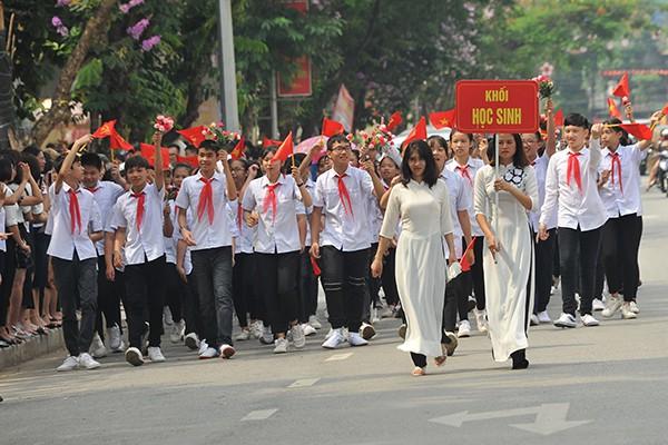 Khối học sinh, sinh viên một số trường học của tỉnh Điện Biên.