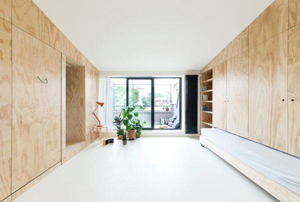 Gian phòng chính đơn giản, sạch sẽ tạo không gian sống thoải mái.