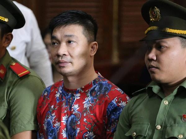 Ông trùm ma túy Văn Kính Dương tại phiên xử.