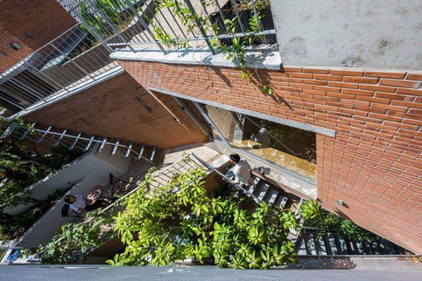 Diện tích các khu vườn đã chiếm tới 30% diện tích xây dựng cả căn nhà.