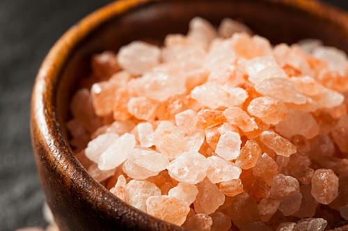 Muối hồng Himalaya đang nhập nhiều vào Việt Nam.