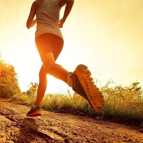 Tăng cường hoạt động thể lực như: tập thể dục đều đặn, đi bộ, chơi một môn thể thao thích hợp là cách phòng ngừa đột quỵ hiệu quả. Ảnh minh hoạ: Internet