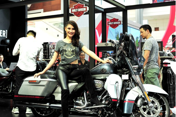 Những chiếc Harley Davidson có giá gần 2 tỷ đồng.