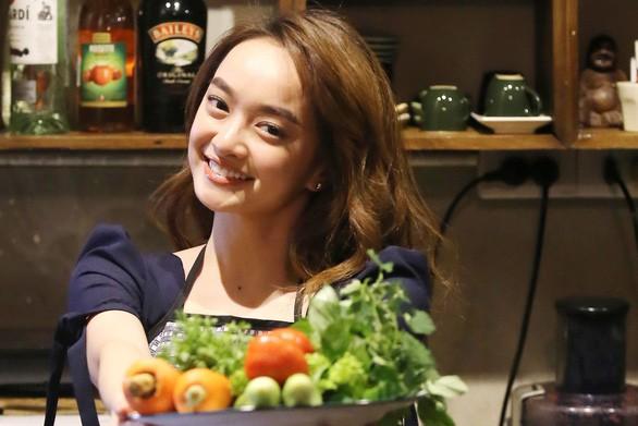 Nấu ăn đã trở thành một điều gì đó bản năng và thú vị hơn là để lấy chồng như lời bà dạy khi còn bé! - Kaity nói.