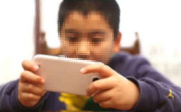 Con trai 6 tuổi của Kang và Go có mặt tại hiện trường gây án nhưng không hề hay biết chuyện gì xảy ra với bố mẹ mình. (Ảnh minh họa)