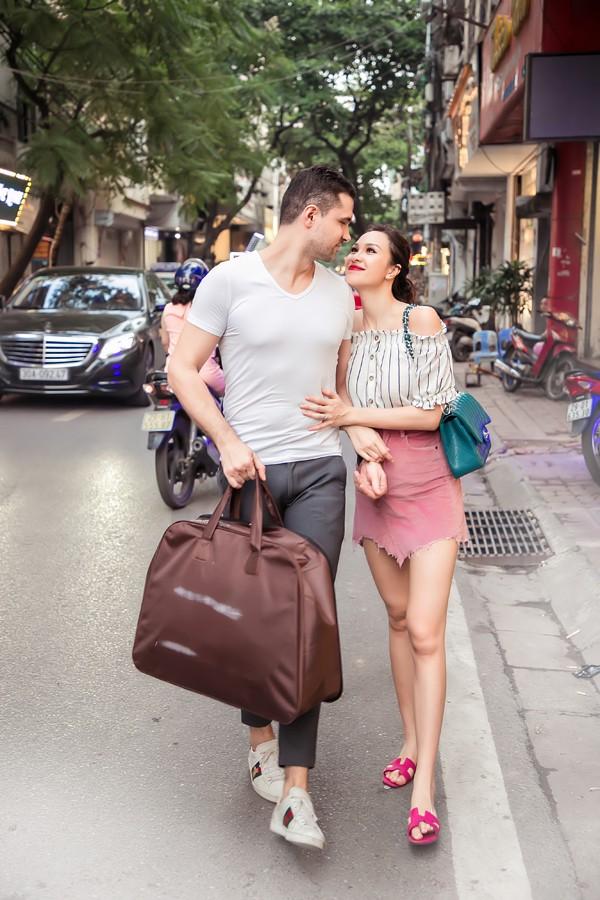 Cặp đôi hẹn hò một năm và có chung nhiều sở thích như tình yêu động vật, du lịch...