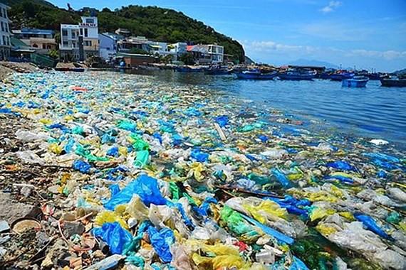 Rất nhiều bờ biển bị rác thải nhựa nhấn chìm