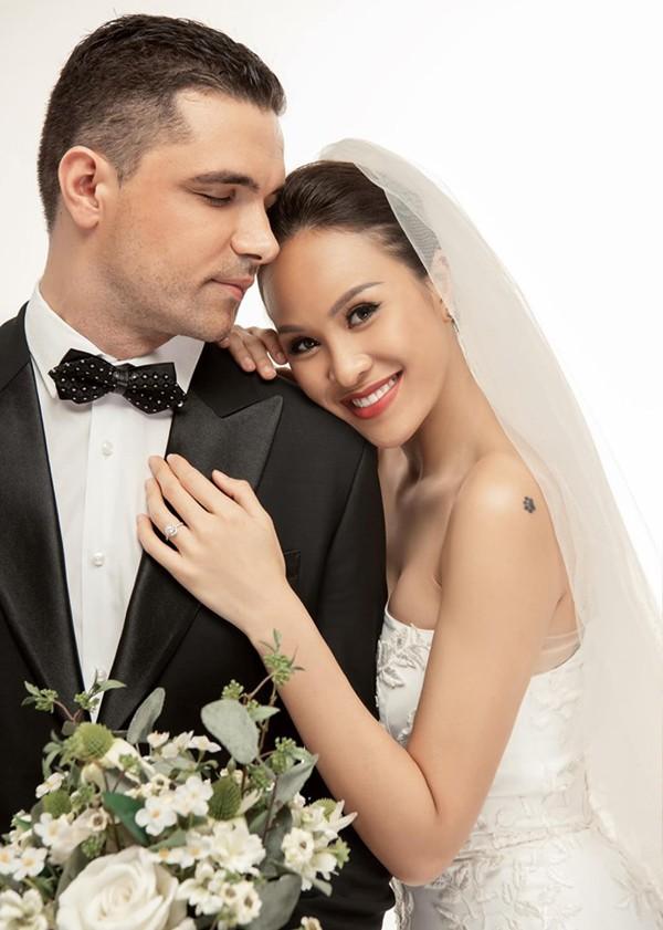 Phương Mai muốn độc lập tài chính với chồng.