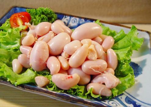 Rất khó để phân biệt kê gà Đông Tảo và hàng nhập khẩu.