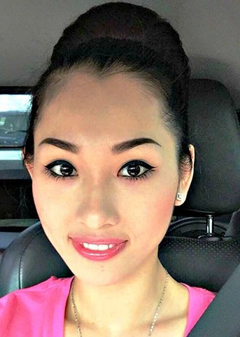 Jade được miêu tả là cô gái vô cùng tốt bụng, dịu dàng và rất được lòng mọi người.