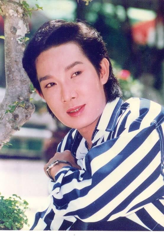 Nhan sắc ông hoàng cải lương Hồ Quảng Vũ Linh khiến cả một thế hệ say đắm bên cạnh tài ca diễn
