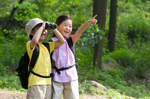 Trong 6 năm đầu đời, trẻ cần được trải nghiệm, tiếp xúc với thế giới bên ngoài để hình thành kỹ năng và phát triển toàn diện.
