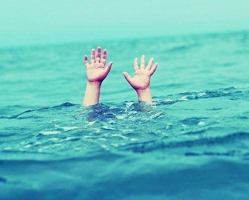 Việc sơ cứu đúng cách khi thấy người đuối nước sẽ giúp nạn nhân không nguy hiểm tính mạng. ảnh minh họa